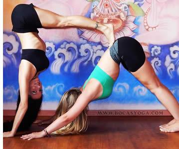Les cours de yoga � Bocas del Toro avec Laura Kay du Bocas Yoga Studio